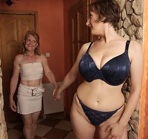 Lesbian Seduction Porn Pictures