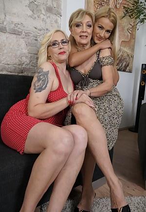 Lesbian Dress Porn Pictures