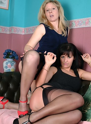 Lesbian Stockings Porn Pictures